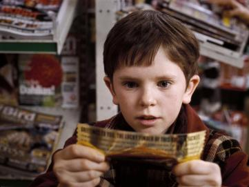 still-of-freddie-highmore-in-charlie-and-the-chocolate-factory-(2005)
